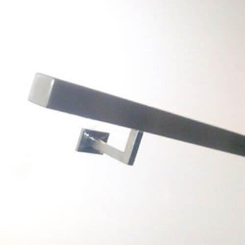 vierkant-trapleuning-met-rechthoekige-montageplaat